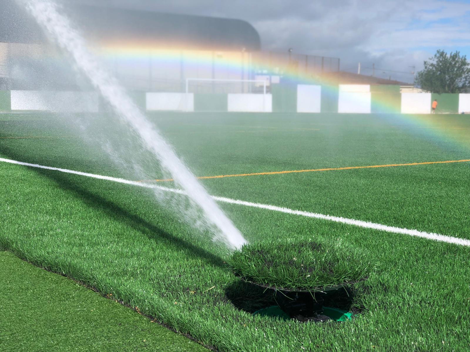 Campo de fútbol de césped artificial en Escalona